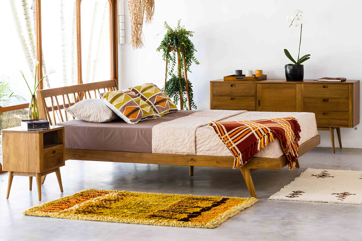 Fifties Platform Bed Danish Honey