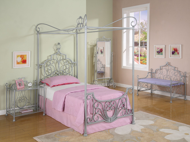 Princess beatrix platform bed - Canopy bed ideas for adults ...