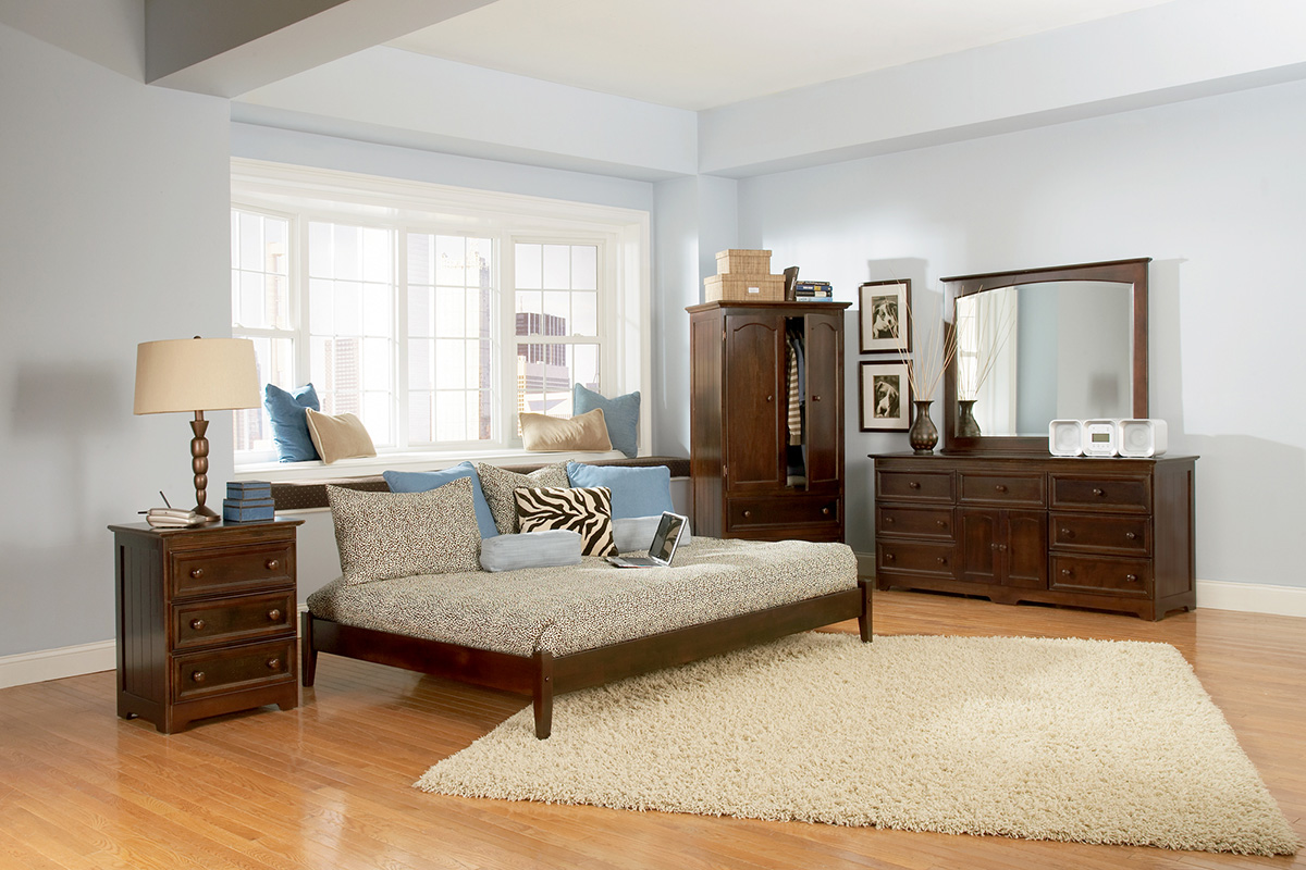 Classic Concord Platform Bed Open Footrails