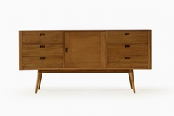 Fifties Dresser - Danish Honey Combining exceptional functionality with mid-century charm, the Fifties Dresser with Danish Honey finish is the perfect piece to add a touch of vintage style to your bedroom.