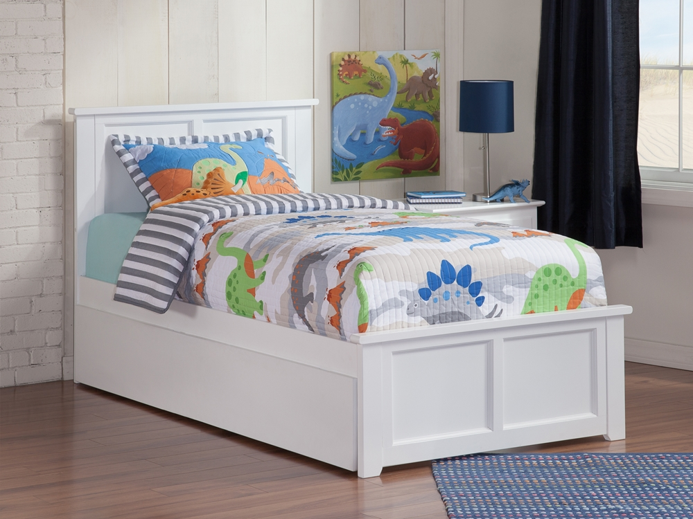 Madison Platform Bed With Matching Footboard White
