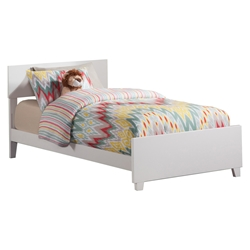 Orlando Traditional Bed with Matching Footboard - White Orlando Traditional Bed with Matching Footboard - White