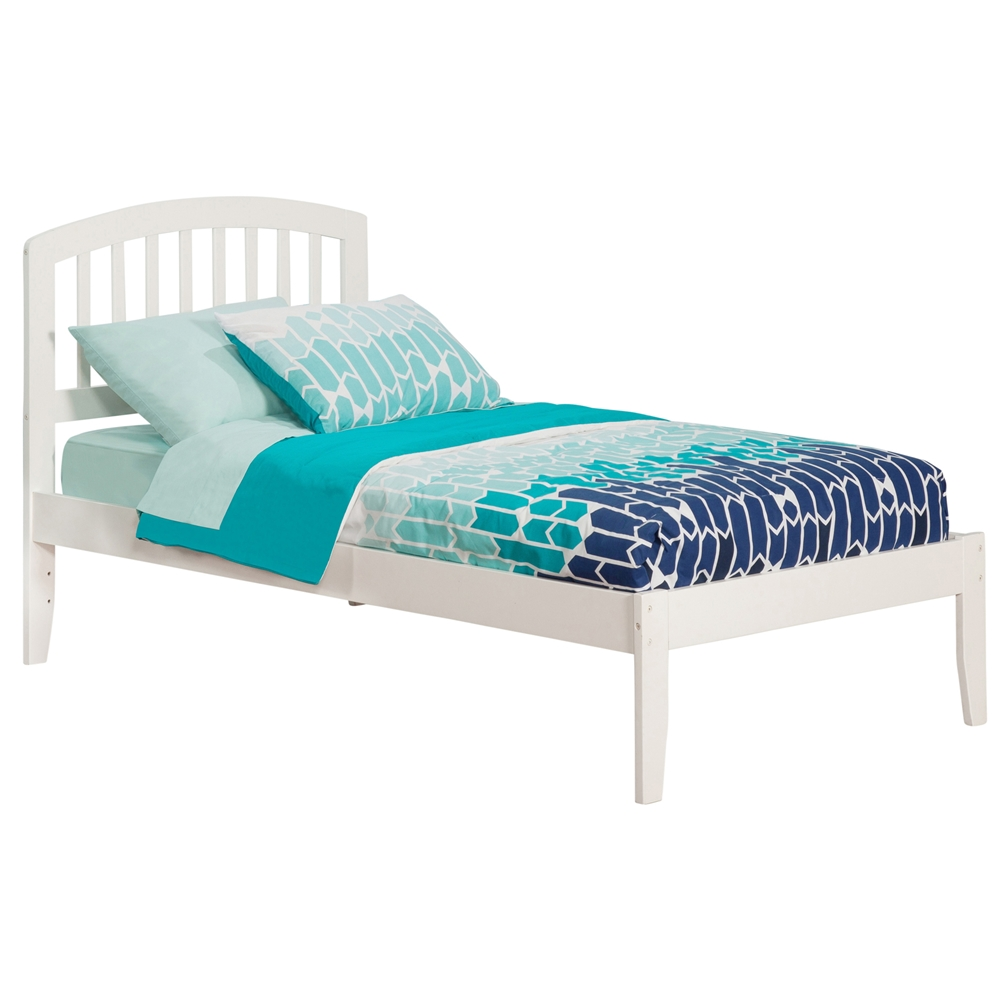 Richmond Platform Bed with Open Footrails - White