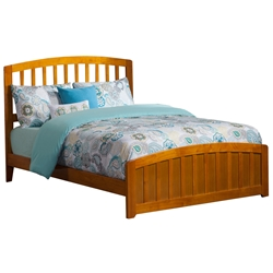 Richmond Traditional Bed with Matching Footrails - Caramel Latte Richmond Traditional Bed with Matching Footboard - Caramel Latte